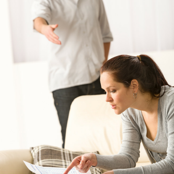 Photo of 10 Ways Couples Can Save Money and Avoid Breaking up