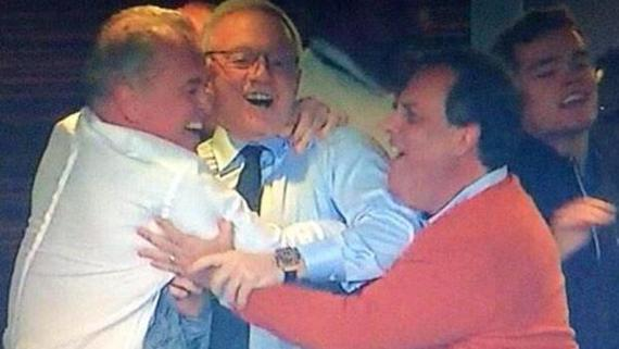 Photo of Chris Christie: Superfan