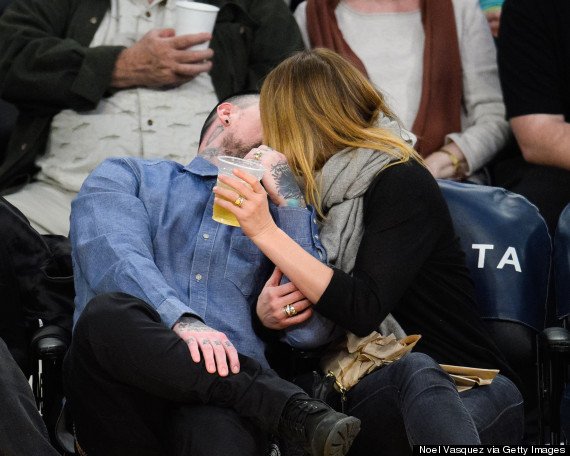 Photo of Cameron Diaz And Benji Madden Pucker Up For Kiss Cam At Lakers Game