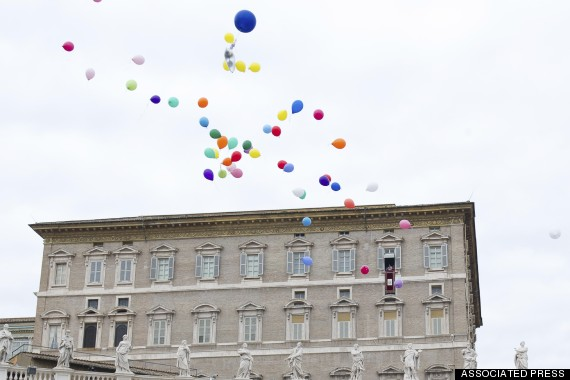 Photo of After Pope's Dove Debacle, Vatican Makes Balloons New Symbol Of Peace