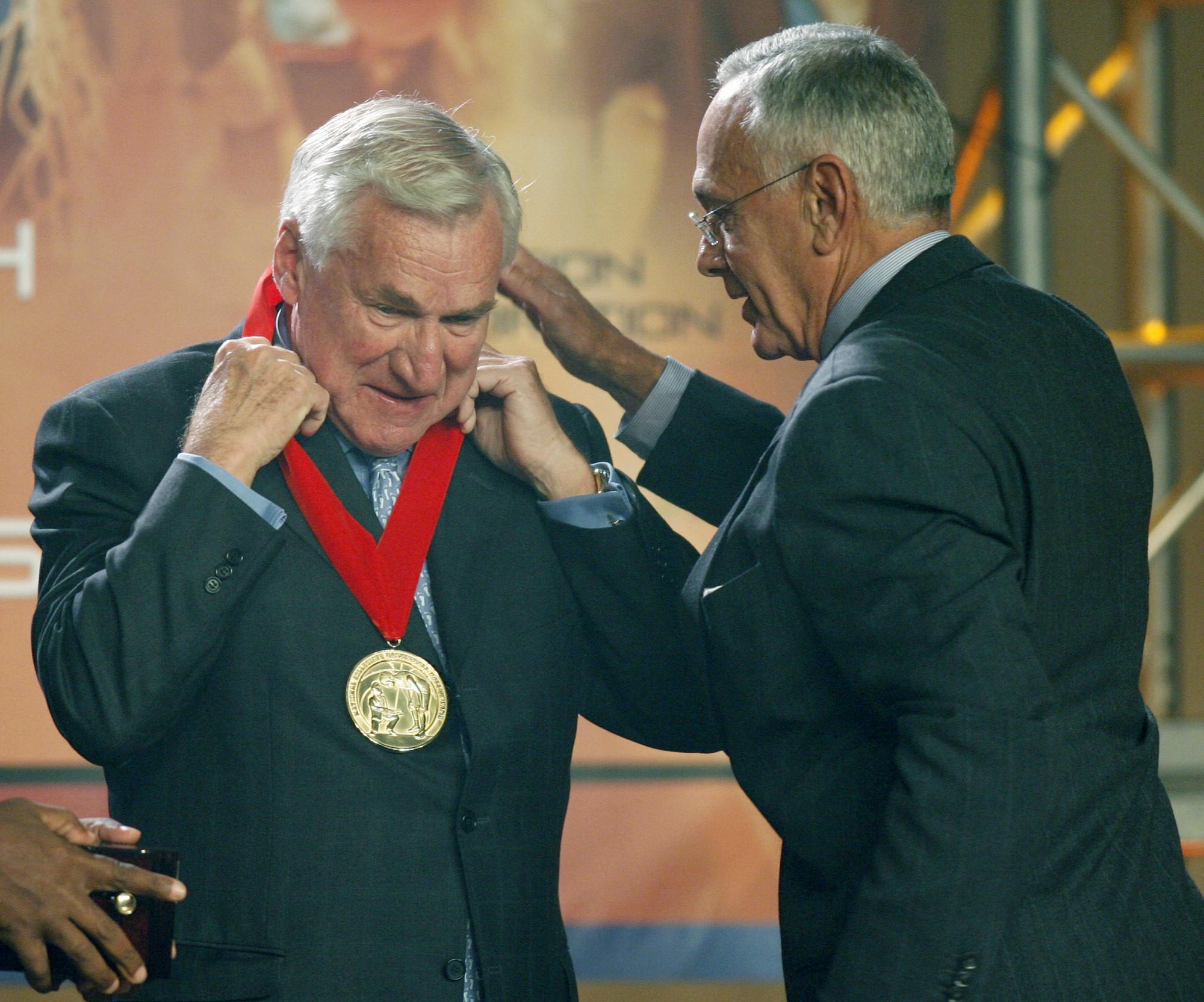 Photo of Dean Smith, Legendary North Carolina Basketball Coach, Dies