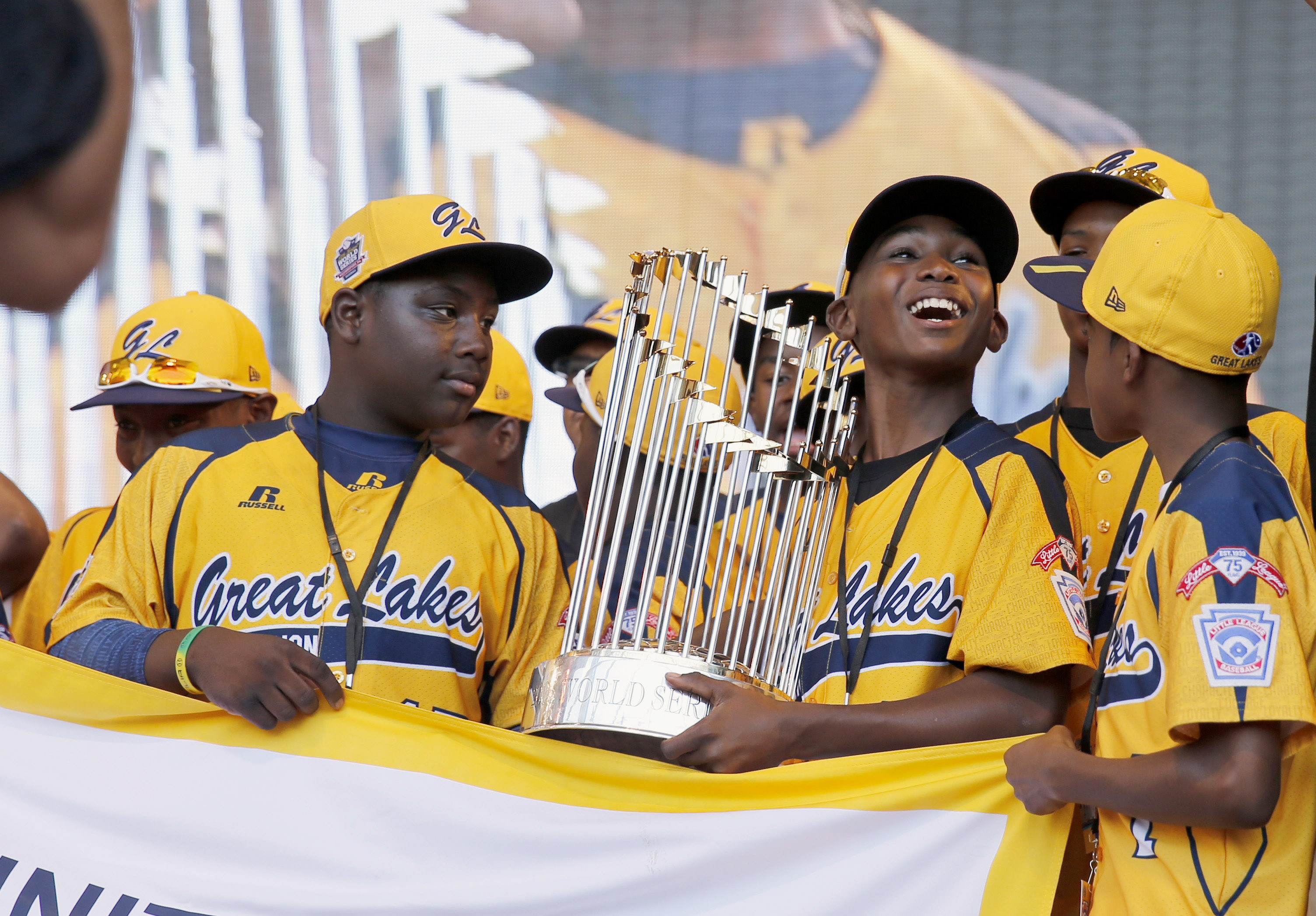 Photo of America Mourns For The Players Of Jackie Robinson West And Their Lost Little League Championship