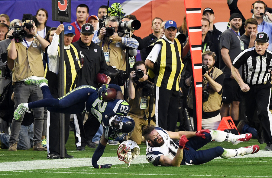 Photo of The Jeremy Lane Post-Interception Injury Is Even Grosser Than You Thought
