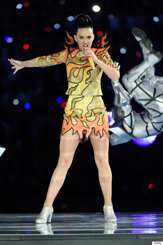 Photo of Katy Perry Wore Not One But Four Awesome Super Bowl Halftime Show Outfits