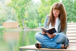 Photo of The Ultimate GoGirl Reading List: 10 Career And Personal Finance Books We Love