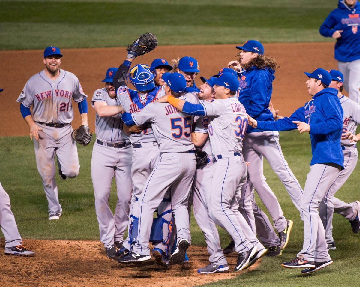 Photo of Mets Sweep Cubs to Win Spot in World Series