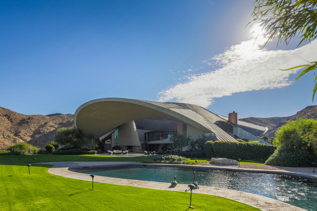 Bob Hope residence, designed by John Lautner.  2466 Southridge Dr, Palm Springts, CA  92264.  Photographed for Ann Eysenring, Partners Trust.
