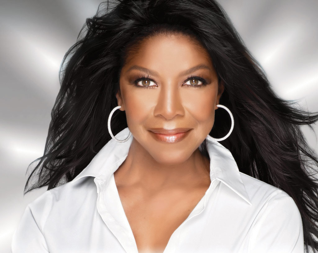 Photo of Singer Natalie Cole Dead at 65