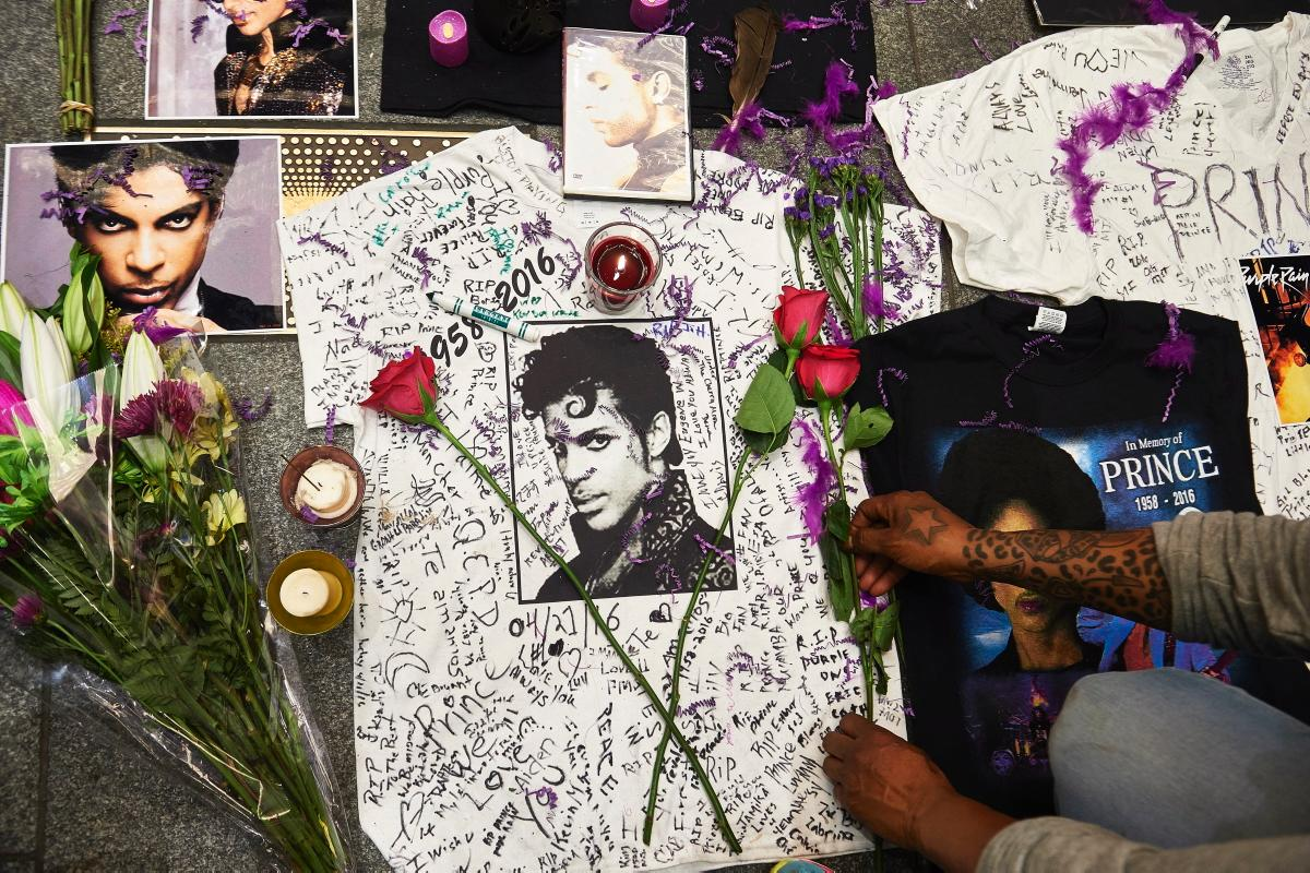 Photo of The World Mourns The Death Of Prince