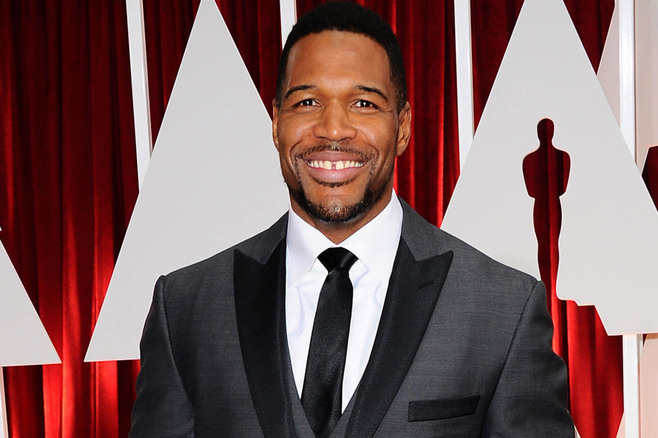 "Photo of Strahan Leaving ""Live"", Joining ""GMA"" Full Time"
