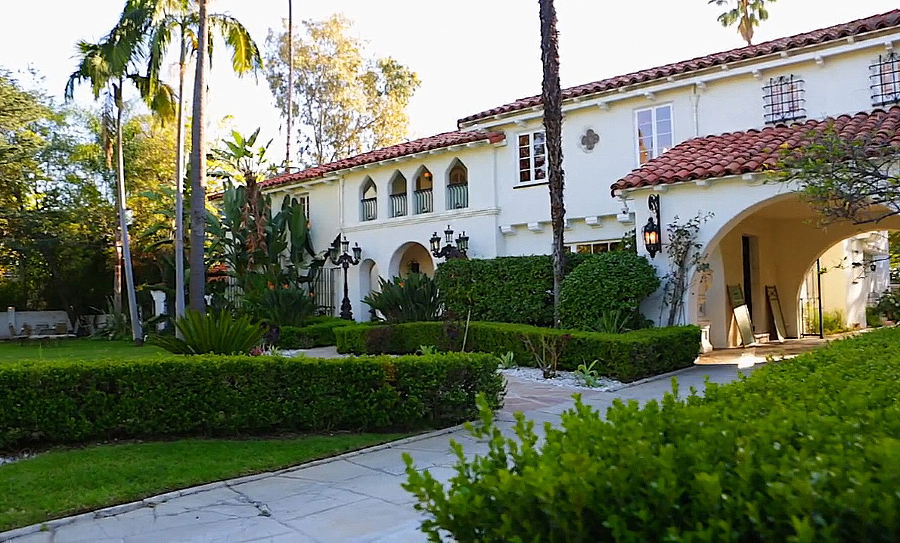 Photo of The Countess of Beverly Hills Mansions