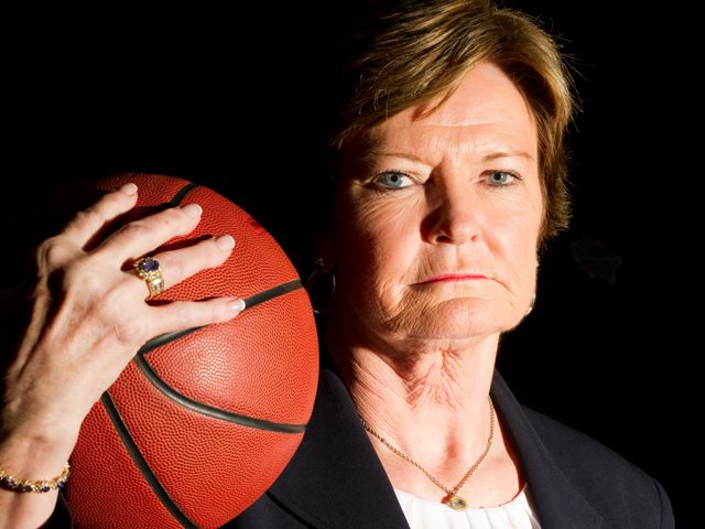 Photo of Legendary Women's Basketball Icon Pat Summitt Dies