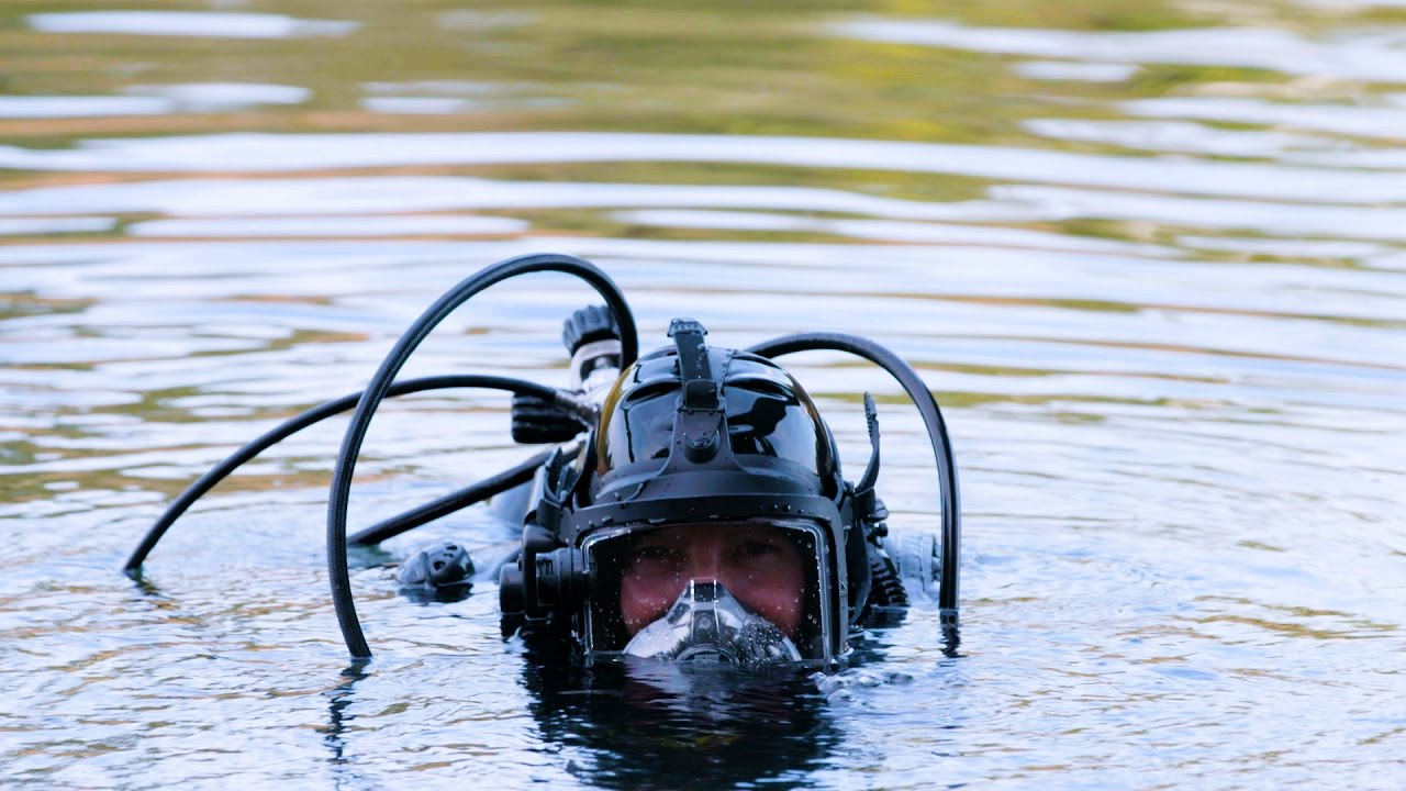 Photo of Going Deep for Clues: This Investigator Solves Crimes Underwater