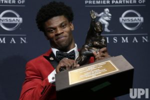 Louisville's Lamar Jackson wins the Heisman Trophy