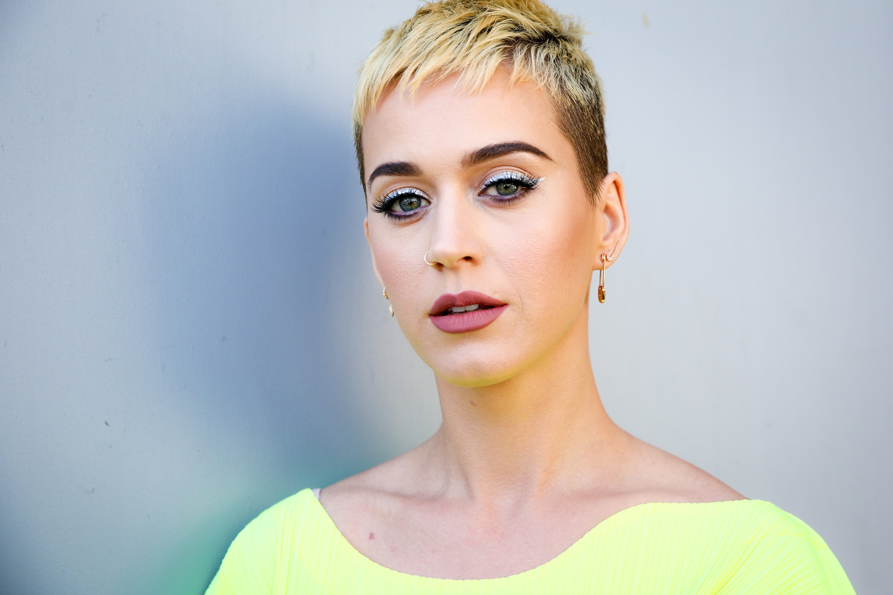 Photo of Katy Perry Breaks Record
