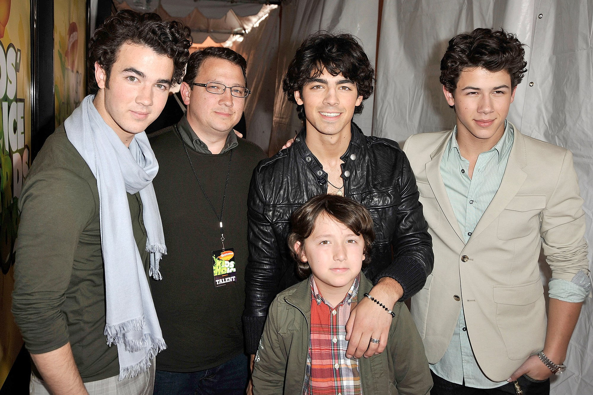 Photo of Jonas Brothers' Father Diagnosed With Colon Cancer