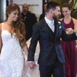Soccer superstar Mesi marries childhood friend