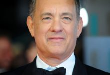 Photo of Tom Hanks set to play Mister Rogers