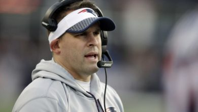 Photo of Patriot's McDaniels Spurns Colts. Remains With Pats