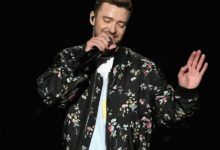 Photo of Justin Timberlake postpones concert due to 'severely bruised' vocal chords