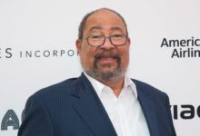 Photo of Les Moonves' replacement Richard Parsons steps down as CBS interim chairman after a month