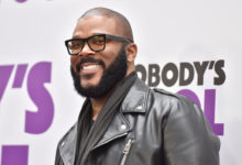 Photo of Tyler Perry spends nearly half a million dollars on layaway payments for 1,500 Walmart customers