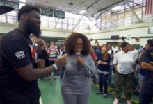 Photo of Oprah surprises NJ students with $500K donation, pizza party