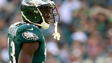 Photo of Nelson Agholor invites Philly hero who roasted him on local news to Eagles home game