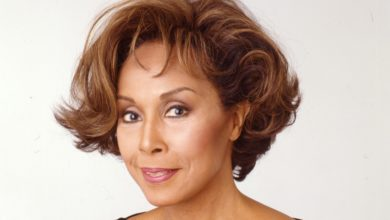 Photo of Pioneering actress Diahann Carroll dead at 84