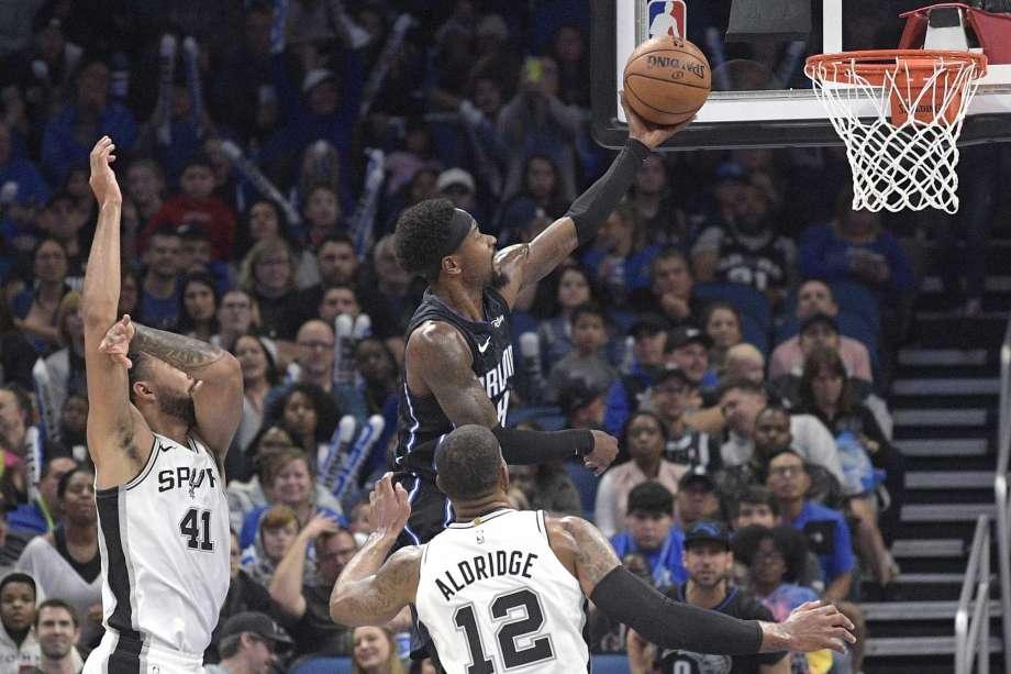 Magic hand Spurs their 4th straight loss 111-109