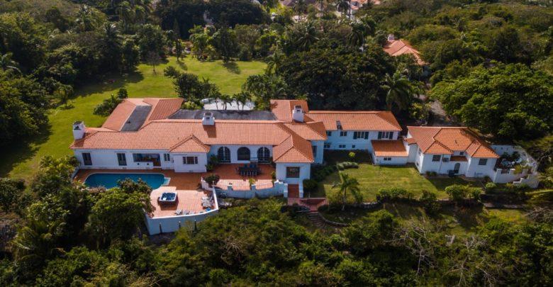 Photo of Duke of Windsor's Bahamas Estate For Sale!