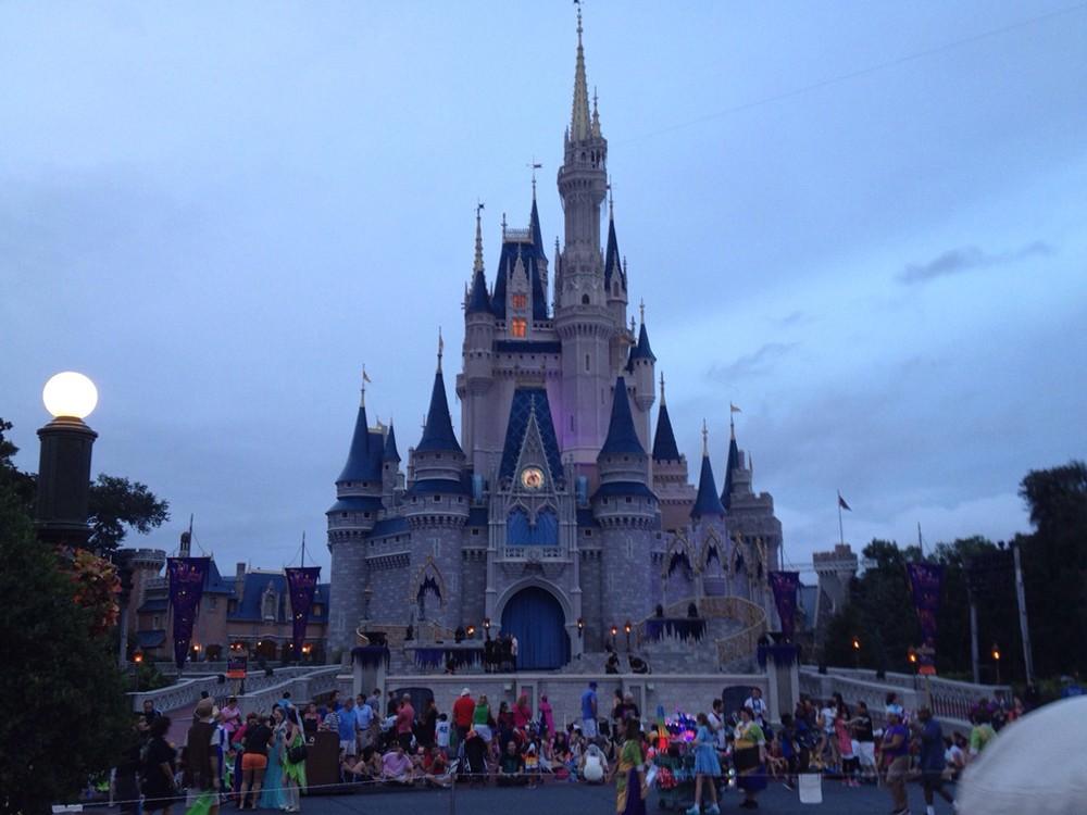 Walt Disney World, Universal Orlando closing for the rest of March, as coronavirus anxieties rise
