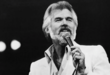 Photo of Kenny Rogers, country music icon, dies at 81