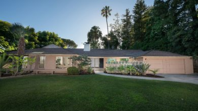 Photo of The Golden Girls' TV Home For Sale