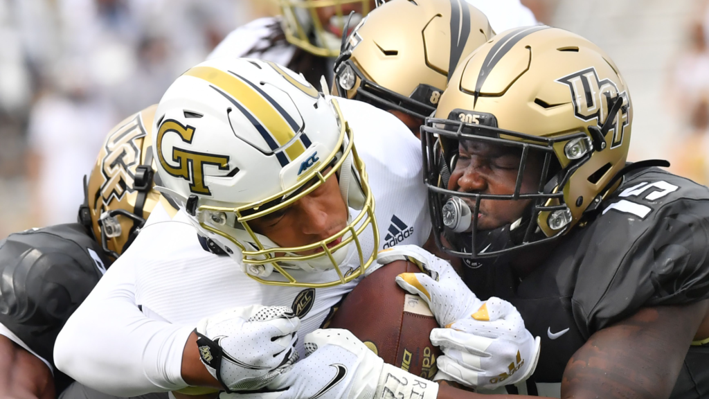 UCF QB Gabriel Tosses 4 TD's Against The Yellow Jackets in Season Opening Win